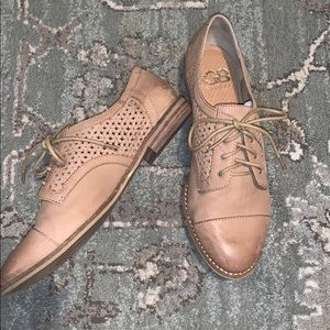 Gianni Bini Floral Lace-up Leather Shoes 7.5